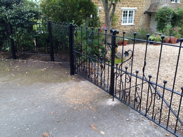 Ivy Leaf Double Gates and Railing Simon Connett Blacksmith Devon